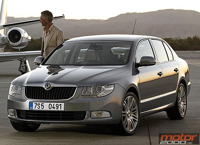 comprar coche nuevo skoda superb 1 4 tsi 125 cv active motor 2000 la revista de canarias. Black Bedroom Furniture Sets. Home Design Ideas